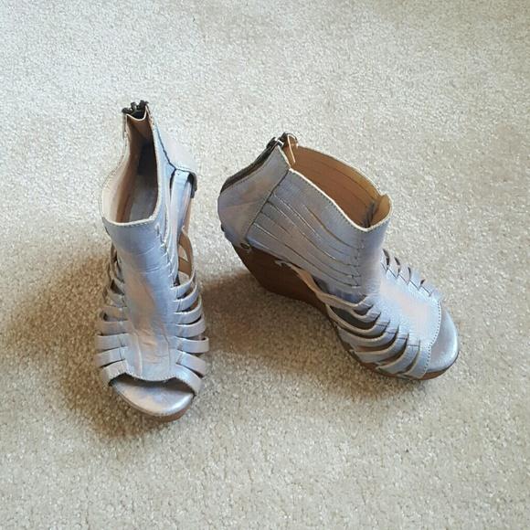 a66d07b74f35 Bed Stu Shoes - Bed stu Daisy wedge
